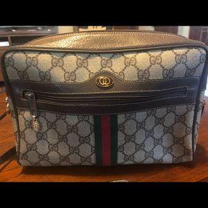 Gucci cross body handbag